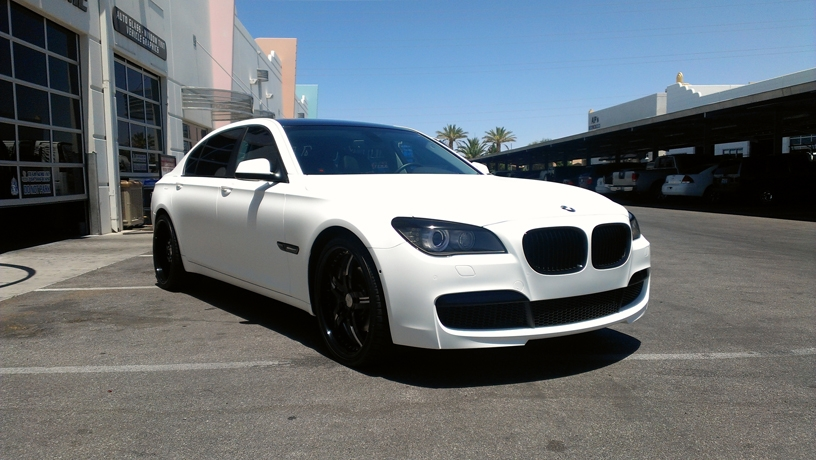 BMW 740 black to Matte White (2)