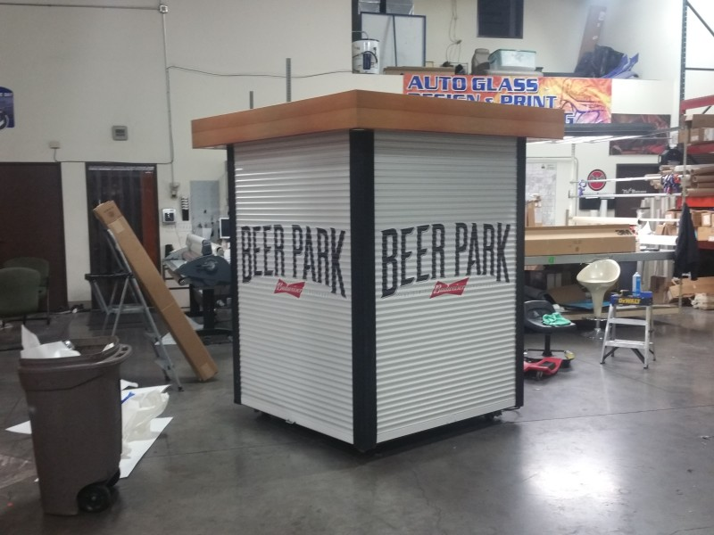 Budweiser Beer Park at Paris Kiosk Wrap in wood and logos (3)