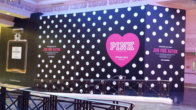 Pink wall graphics in Caesars Palace