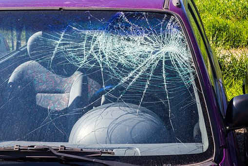 Auto Glass Repairs: How They Impact Your Auto Insurance